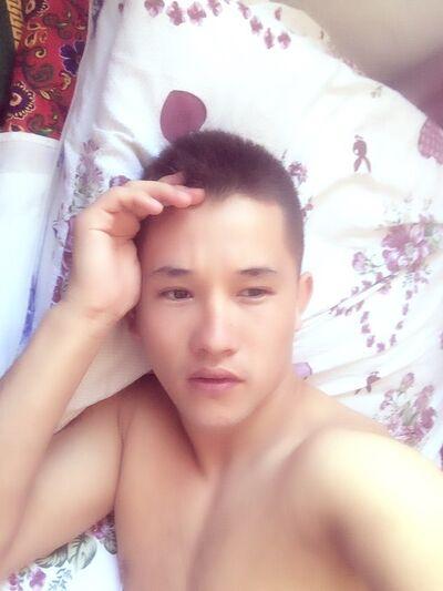 Фото мужчины Рустам, Балыкчи, Кыргызстан, 25